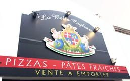 Nouvelle enseigne pour la pizzeria la Bella Cagliari
