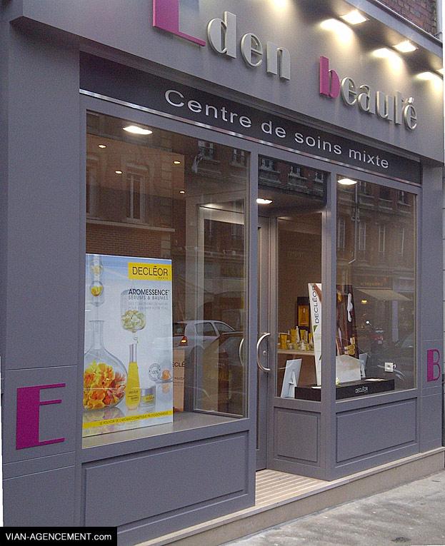 Création - réalisation de vitrine commerces- magasins