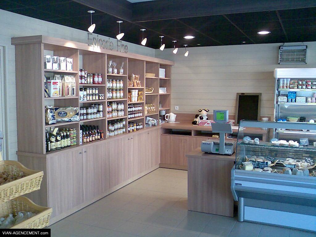 Agencement de magasin de fruits et légumes, épicerie fine