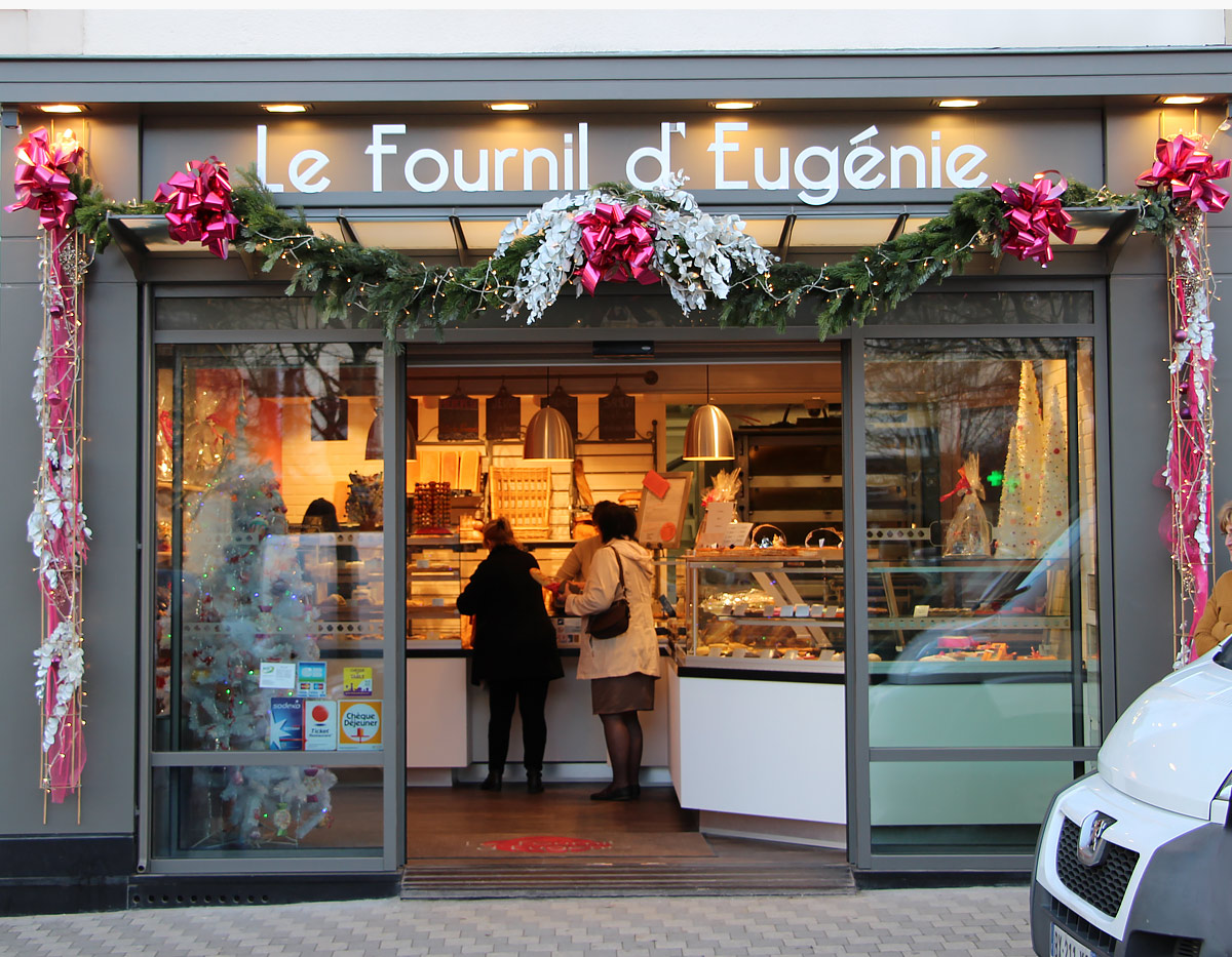 Agencement de boulangerie, façade contemporaine.