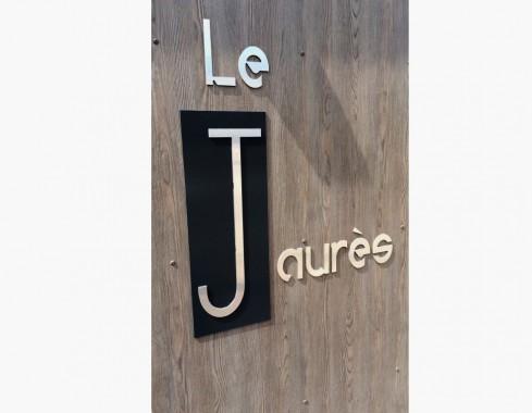 Enseigne : Lettres découpées en dibond finition aluminium