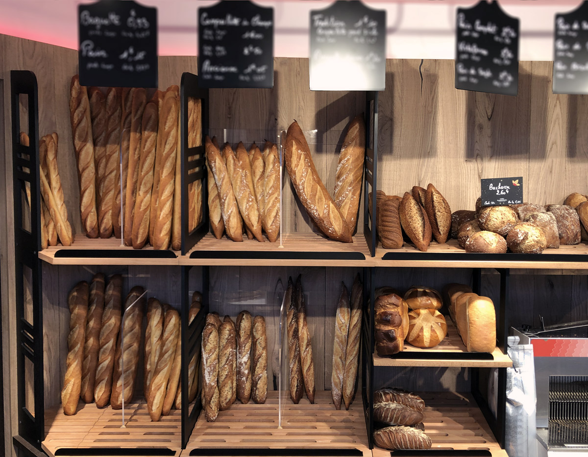 Très fonctionnelle, la panetière offre un lecture simple des produits offerts à la vente.